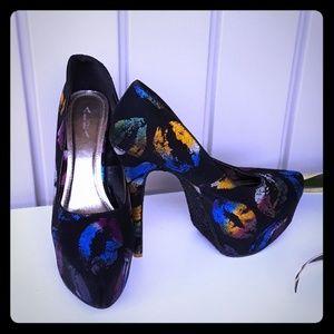 Alba Lips print shoes size 11